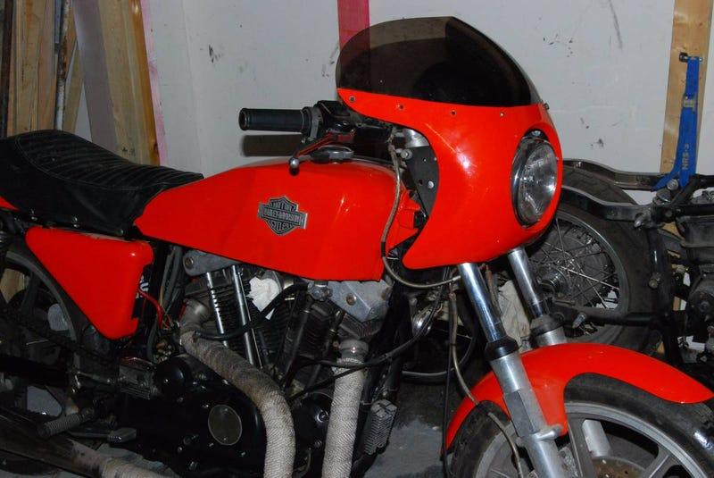 Illustration for article titled For $5,995, Would You GoHog Wild ForThis 1977 Harley Davidson XLCR?