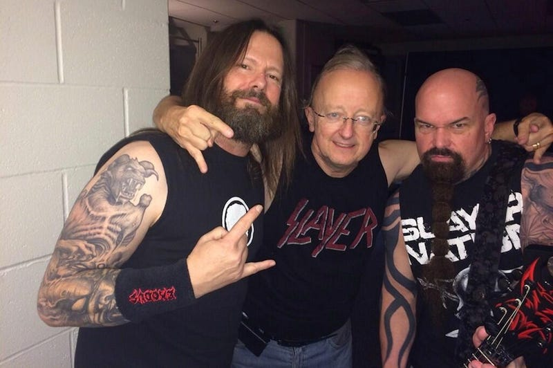 Illustration for article titled This Photo Of ESPN's John Clayton With Slayer Is Pretty Metal