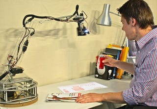 Illustration for article titled Student Made Robotic Desk Lamp Is The First Step To Tony Stark's Computer