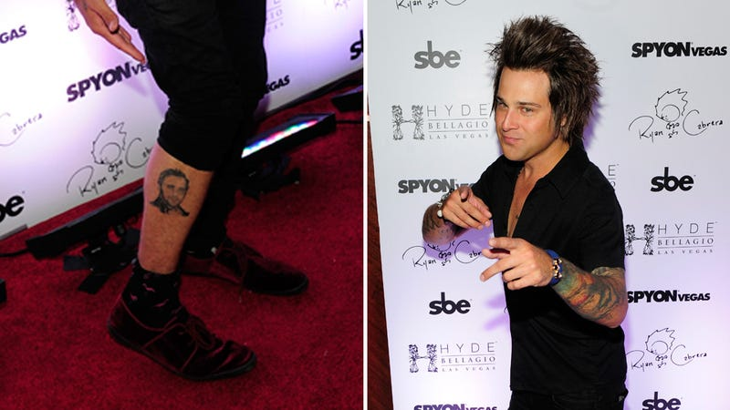 Illustration for article titled Ryan Cabrera Got a Very Normal Tattoo of Ryan Gosling's Face on His Leg