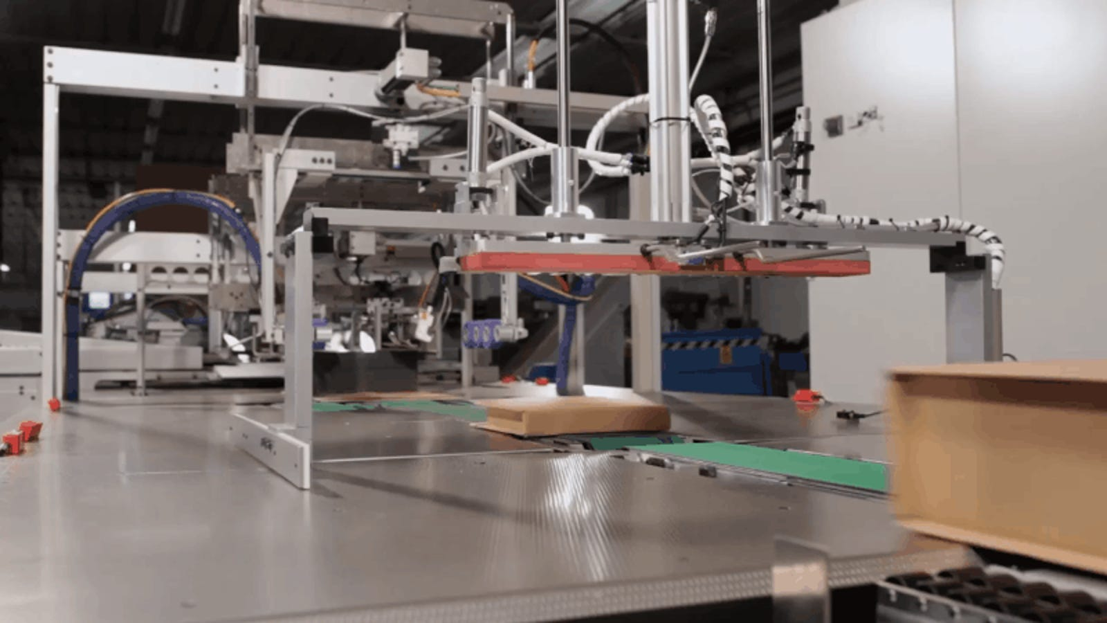 Amazon to Roll Out Automated Packing Machines, Offers $10k