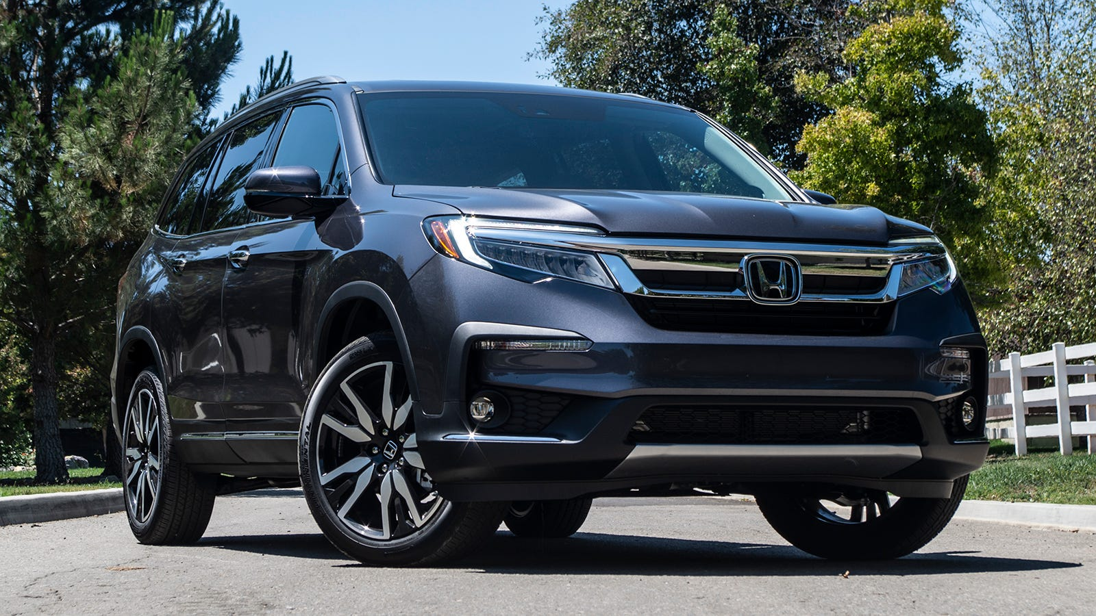 The 2019 Honda Pilot Is a Kid-Proof SUV That Outsmarts a