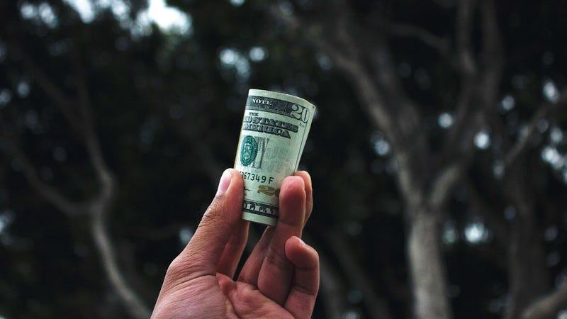 The Best Ways to Spend 20 Bucks, According to Reddit