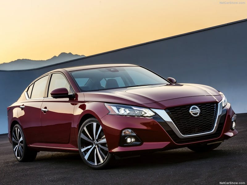 Illustration for article titled The 2019 Nissan Altima: It's a Car