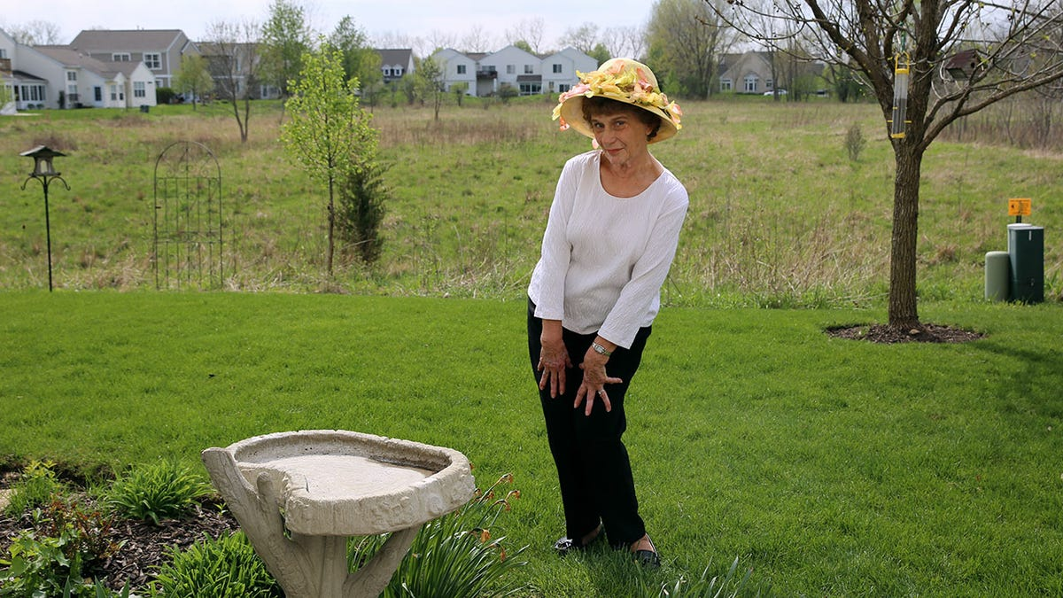 bb52d5c9334 Here Comes Dolores With Her New Hat