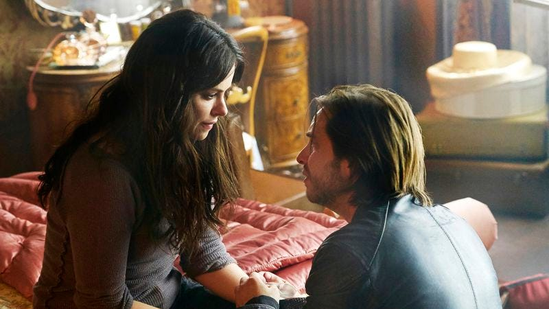(Emily Hampshire, Aaron Stanford) (Photo: Steve Wilkie/Syfy)
