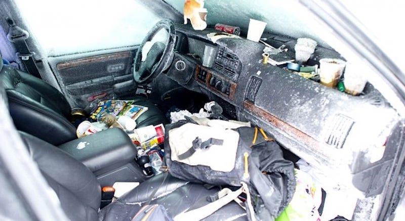 Interior del coche de Peter. AP