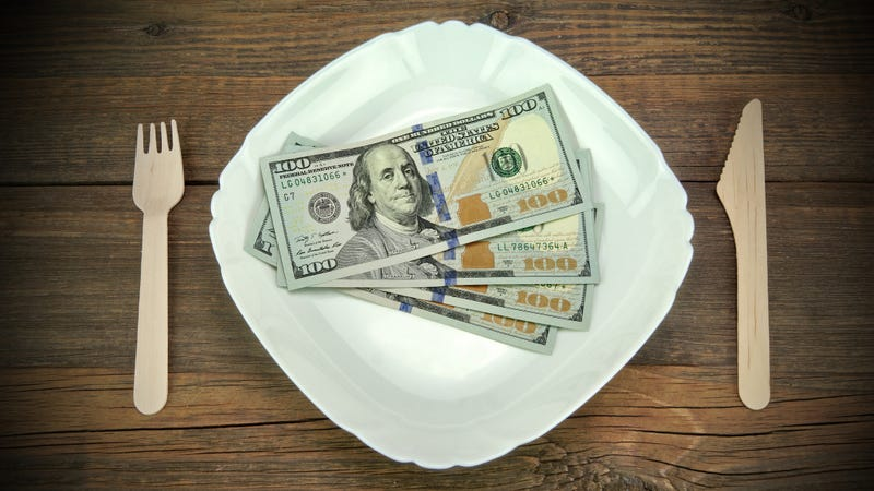 Illustration for article titled Hero diner enjoyed meal so much he went into kitchen and tipped all 17 cooks $100