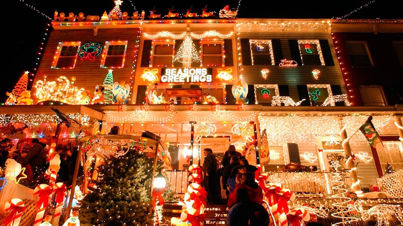 8 ways to completely over decorate your home for the holidays - Decorating Your House For Christmas