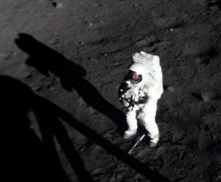 Illustration for article titled Never Before Seen Image of Neil Armstrong's First Moonwalk Shows His face