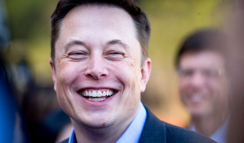 Elon Musk promete la furgoneta eléctrica de Tesla después del Model S