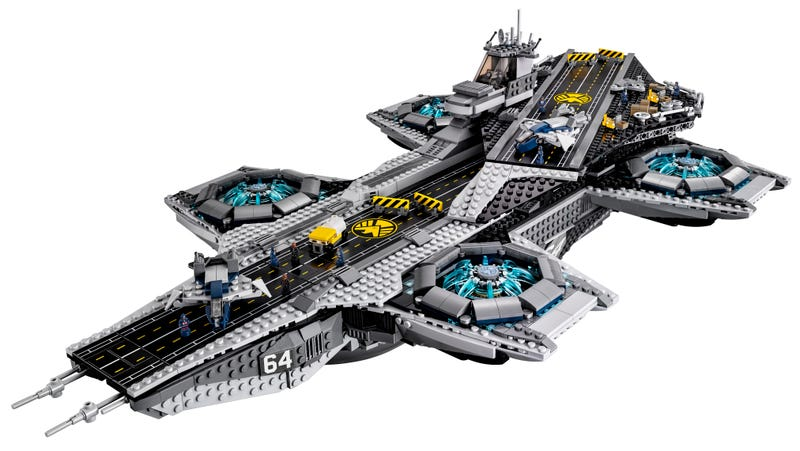 Illustration for article titled The Lego SHIELD Helicarrier is real and amazing