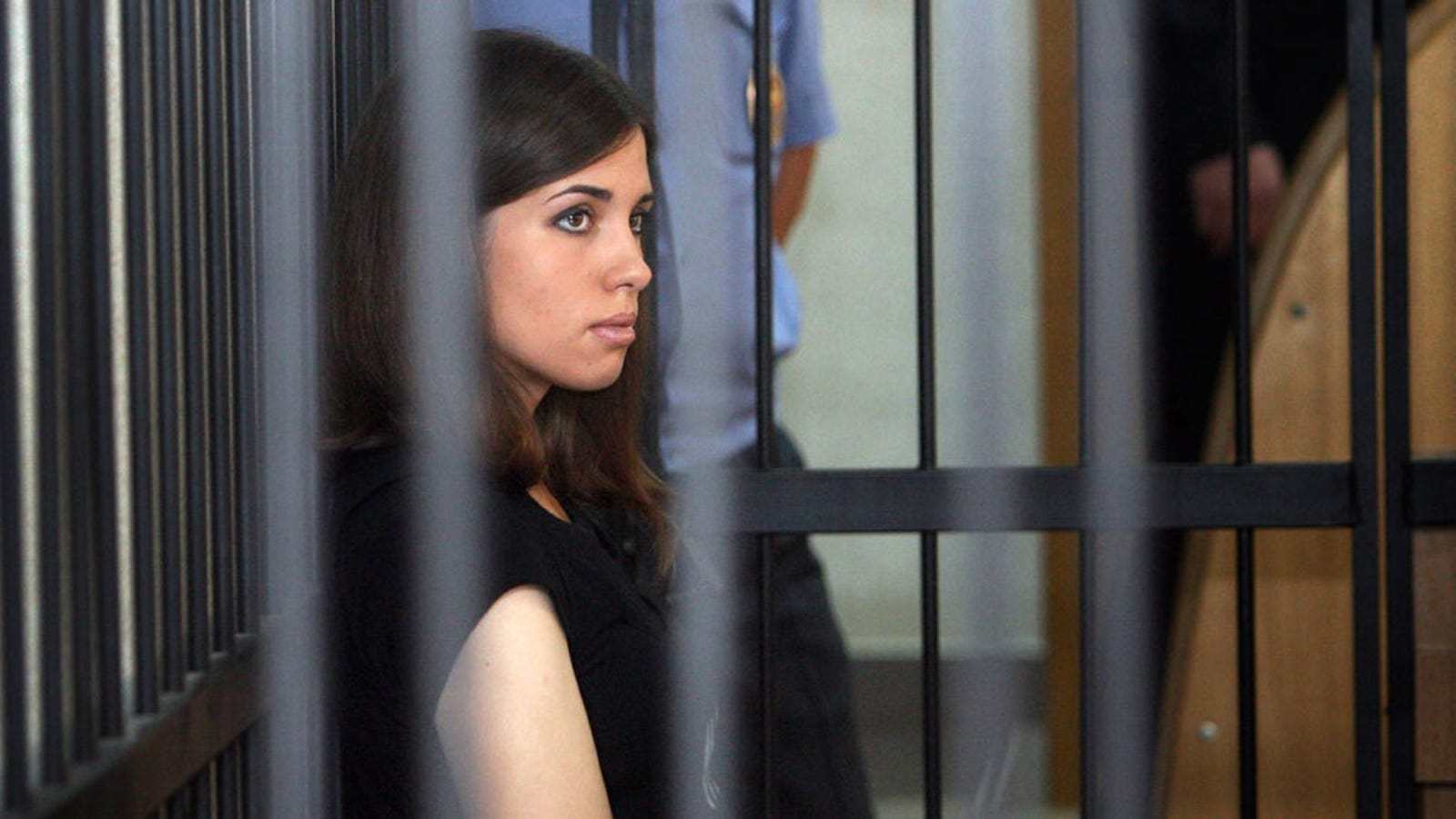 Tolokonnikova went on a hunger strike and transferred to the ShIZO 24.09.2013 40