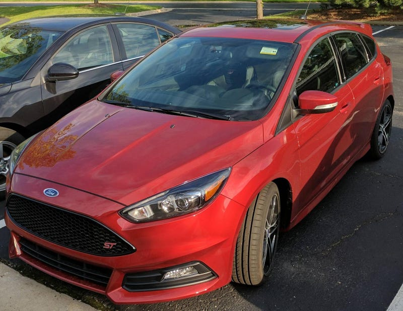 Illustration for article titled 2018 Focus ST gets a new color