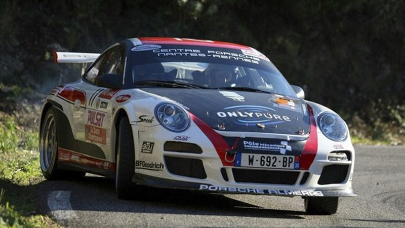Illustration for article titled Eight minutes of Porsche 911 GT3 rally car goodness
