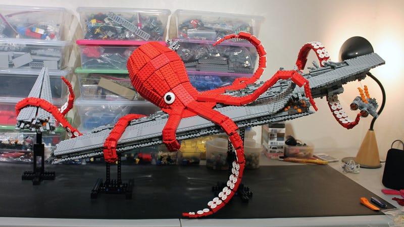 Illustration for article titled Lego Giant Kraken Destroys Darth Vader's Super Star Destroyer