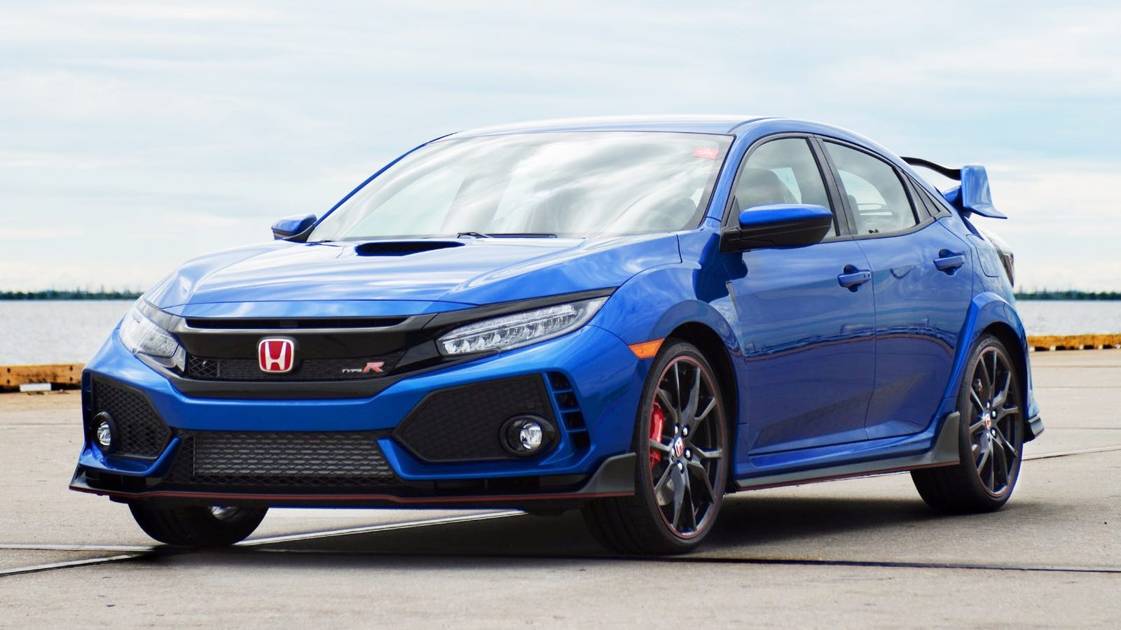 the first ever honda civic type r in the us is up for grabs
