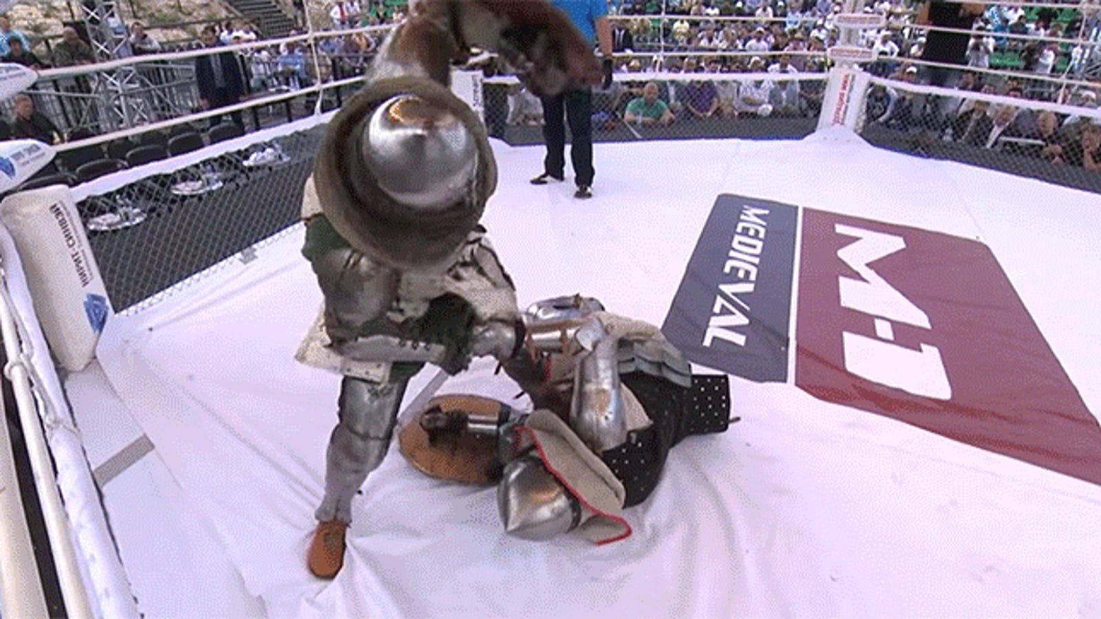 Así de brutal es un K.O. en los combates rusos de recreación histórica con armadura completa