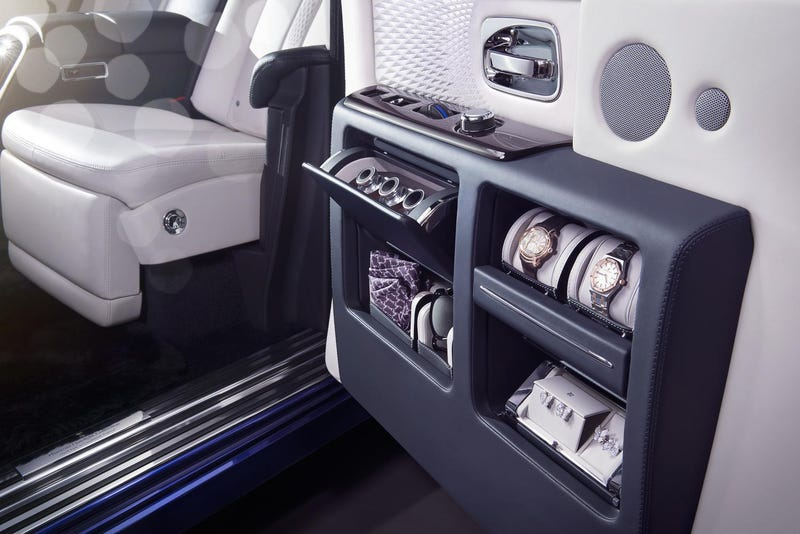 Illustration for article titled Rolls-Royce Bets Your Mercedes-Maybach Doesn't Have A Wardrobe