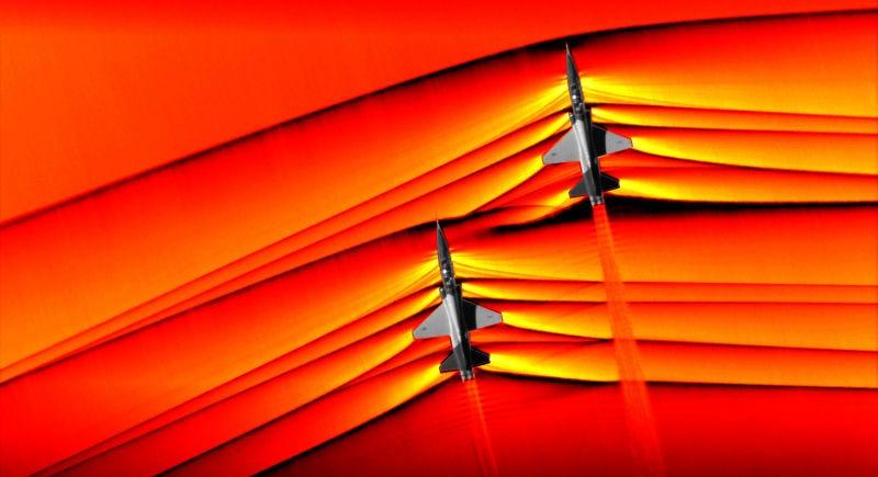 Illustration for article titled La NASA captura las primeras imágenes de ondas de choque interactivas producidas por dos aviones supersónicos en vuelo