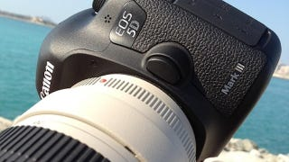 Illustration for article titled Is This the Face of the Canon 5D Mark III?