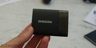 1 Terabyte en tu cartera, el nuevo disco duro de Samsung es diminuto