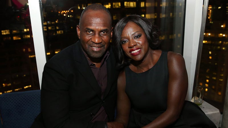 Illustration for article titled Viola Davis Met Her Husband While Eating a Cinnamon Raisin Bagel With Tuna Fish
