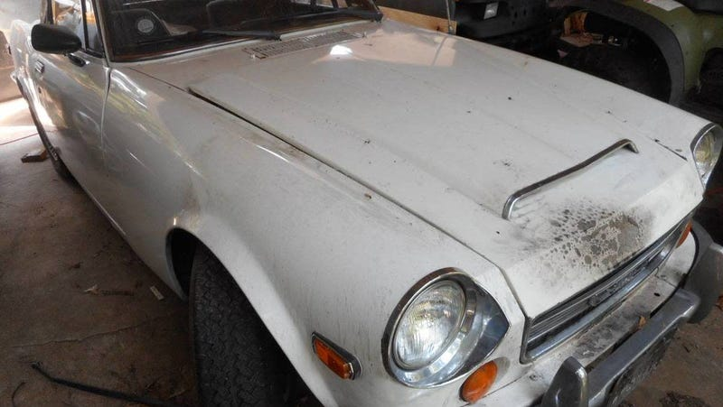 Illustration for article titled At $3,600, Could This 1970 Datsun Fairlady 2000 Project Prove a Fair Deal?
