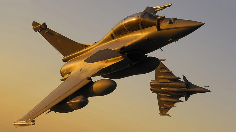 Illustration for article titled Egypt Strikes Islamic State In Libya, Will Buy French Rafale Fighters