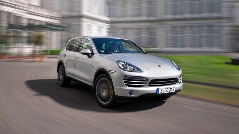 Illustration for article titled 2013 Porsche Cayenne Diesel: 28 MPG And 406 Lb-Ft O' Torque