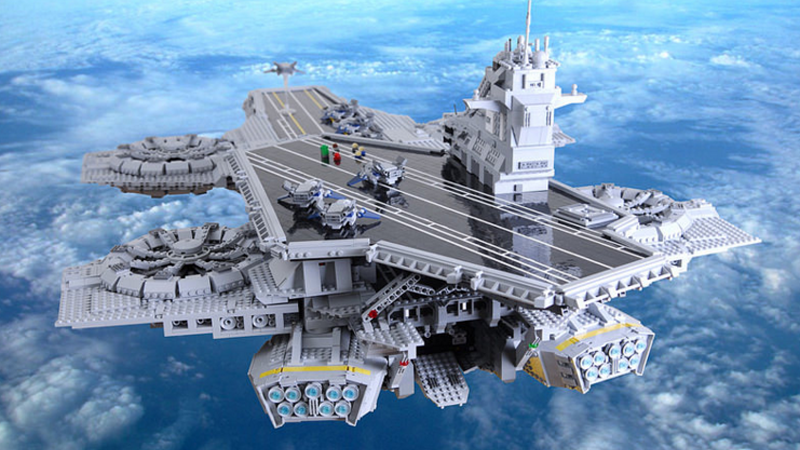 Illustration for article titled Custom LEGO Helicarrier Is Twice As Big As The Official Set