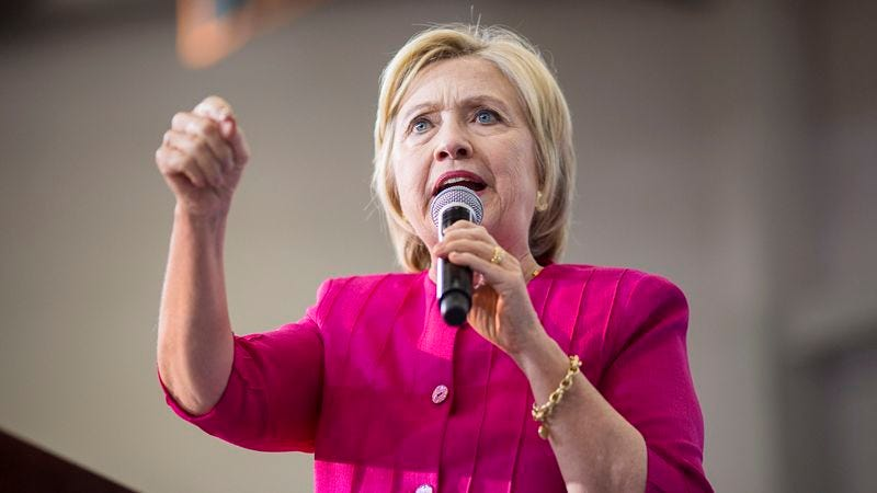 Illustration for article titled Clinton Debunks Rumors About Health By Telling Audience Exact Day She Will Die