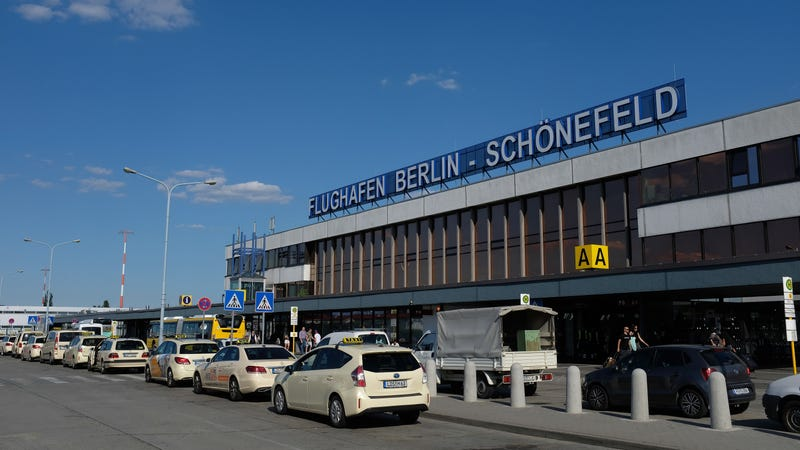 Illustration for article titled Bag of Sex Toys Incites Panic at Berlin Airport, Bomb Squad Called and Terminal Shut Down