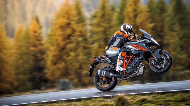 Illustration for article titled 2016 KTM 1290 Super Duke GT: Sport Touring That Requires Race Leathers