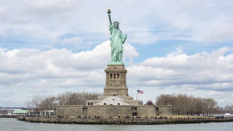 Illustration for article titled Death Is Just A Natural Part Of This Statue Of Liberty Tour