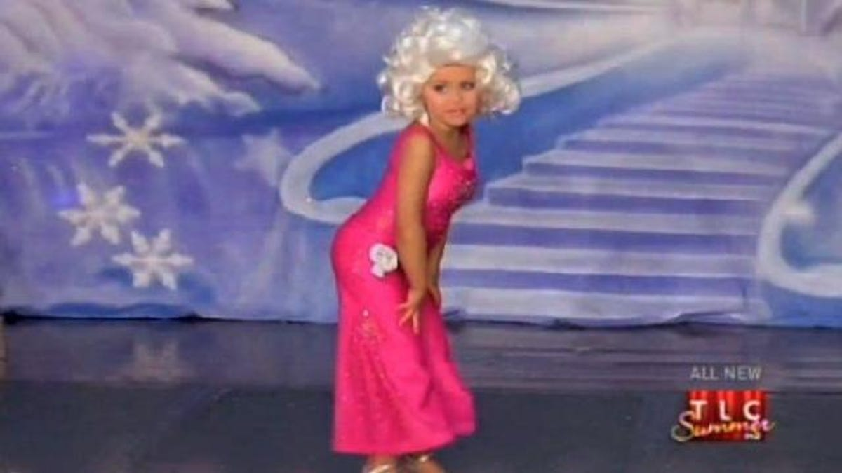 a89453094a51 Pageant Mom May Lose Custody Over Conscientiously Stuffing 4-Year-Old's Bra  for Toddlers & Tiaras