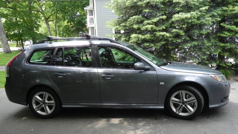 Illustration for article titled At $7,500, Does This 2009 Saab 9-3 Combi Have What it Takes?