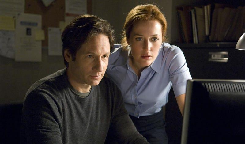 Illustration for article titled La verdad está ahí afuera: Los X-Files regresan con 6 nuevos episodios