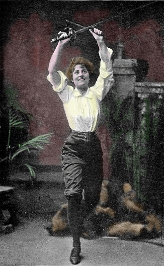 Illustration for article titled Esme Beringer - the first female action star?