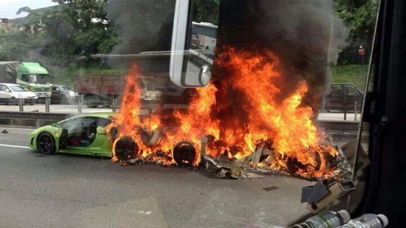 Illustration for article titled Three Lamborghinis Crash Together In Malaysia, Burn To Ground Together [UPDATE: Now With Video]