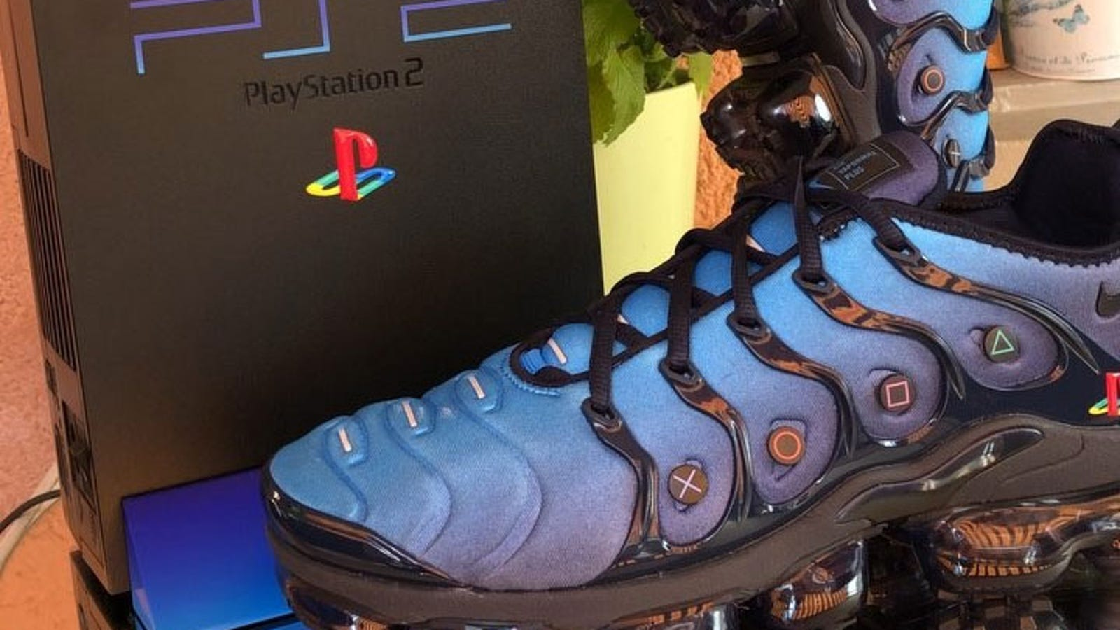 45aefdcbe4c A PS2 Mod For Your Feet
