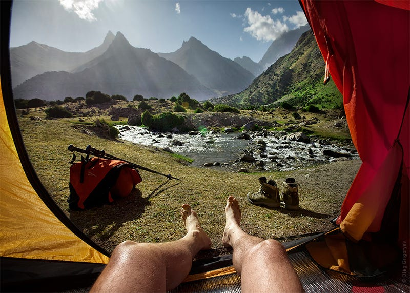 Illustration for article titled These beautiful mountain views from inside a tent make me so jealous