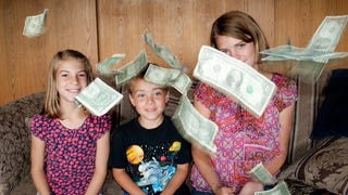 Illustration for article titled Open a Bank Account for Kids When They're Six Years Old