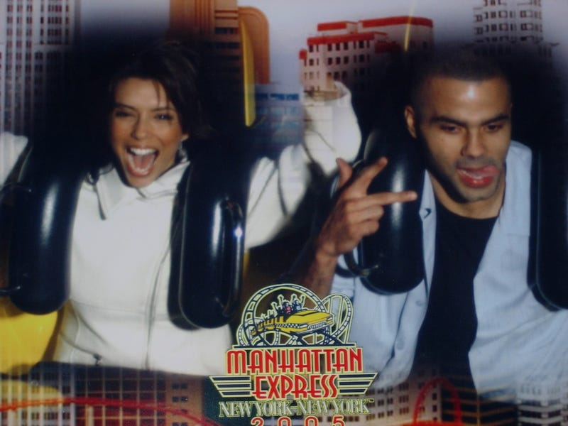 Illustration for article titled Eva Longoria's And Tony Parker's Roller Coaster Photo Is What We Call Foreshadowing