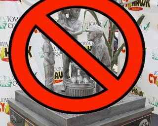 Illustration for article titled The Winner Of Iowa-Iowa State Will Not Get This Awful Trophy