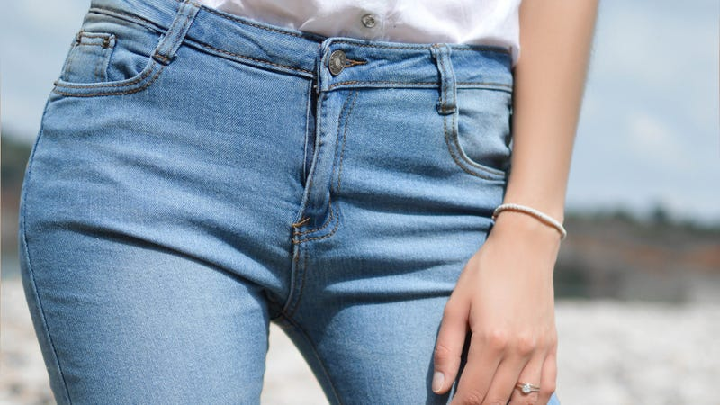 Illustration for article titled Confirmed: The Pockets on Women's Pants Are Indeed Bullshit