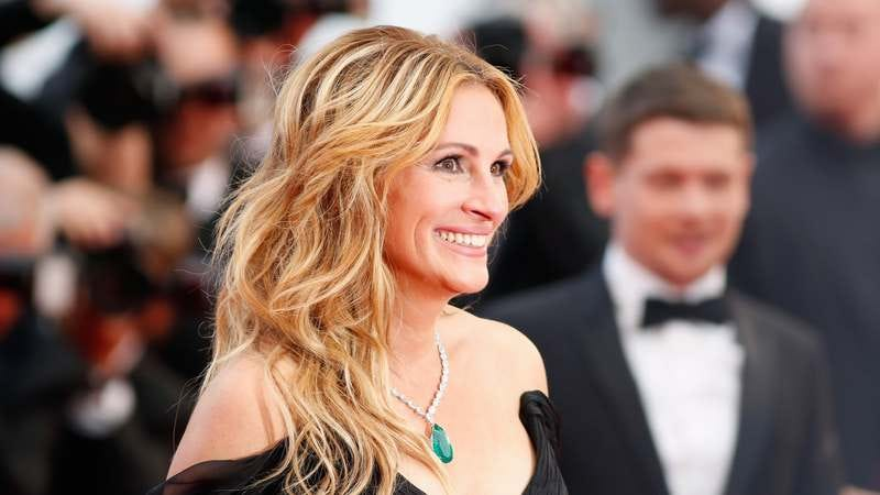 Illustration for article titled Amazon wins bitter war to bring Julia Roberts to TV