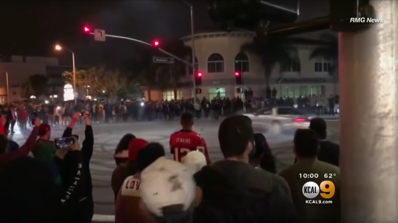 Illustration for article titled Dangerous 'Sideshows' In LA Draw Hundreds To Watch Cars Do Donuts