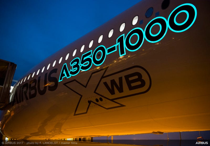 Illustration for article titled Electroluminescent Paint to Light up Skies on Airbus Jets