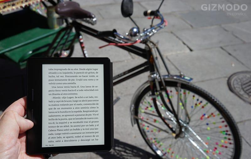 Illustration for article titled Kindle Oasis, análisis: no encuentro ninguna razón para comprar el mejor eReader que existe
